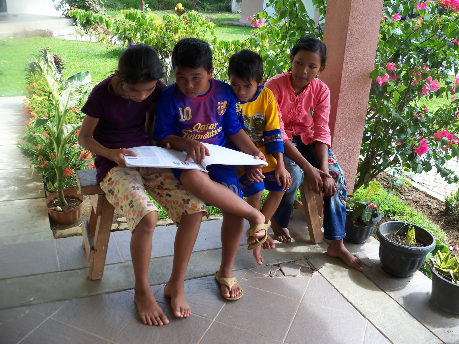 sos childrens village present - HD1600×1200