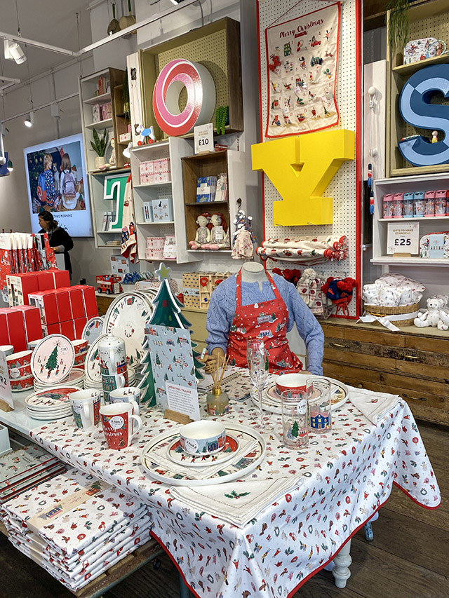 St James's Christmas London cath kidson