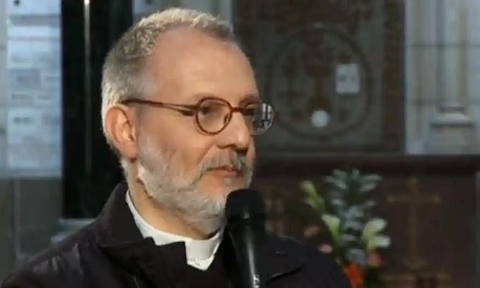A fősodratú média elárulta Olivier Maire atyát és a fehér, keresztény embereket