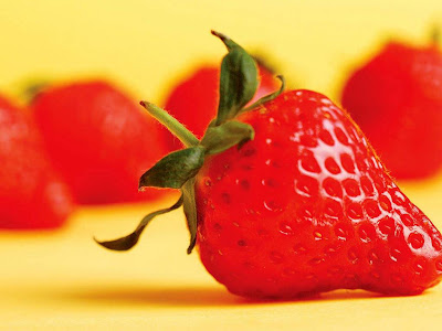 Delicious Strawberry Normal Resolution HD Wallpaper 9