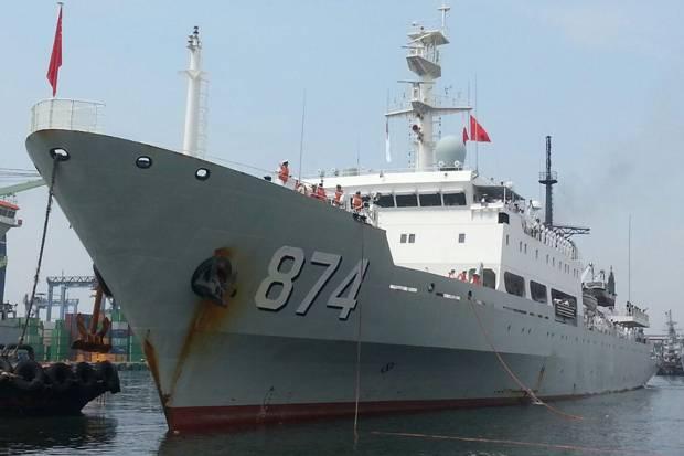 Ada  Kepentingan Rahasia Kapal Perang China Bersandar di Tanjung Priok