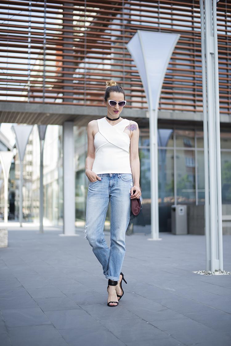 white wrap cut-out back top boyfriend jeans
