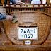 Pau para toda obra - Aposentado cria Fusca de madeira