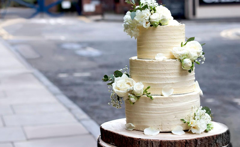 7 Delicious Vegan Wedding Cakes