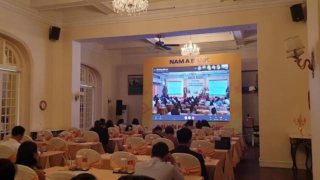 Cổ đông Nam Á Bank phải họp qua màn hình tivi