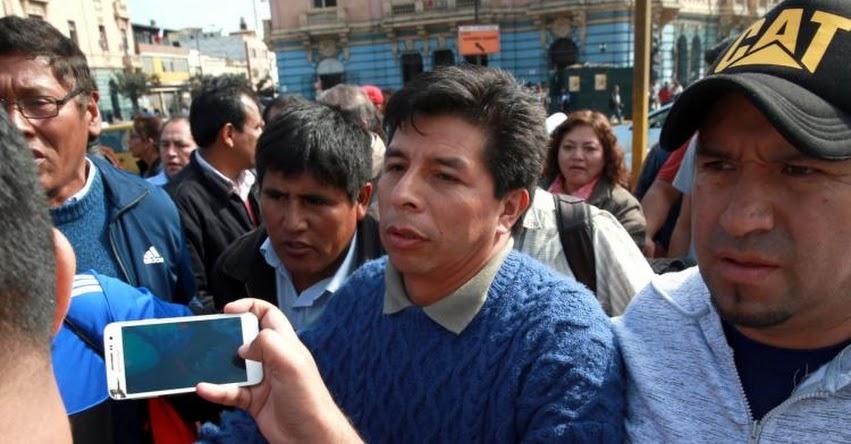 Docente Pedro Castillo solicitó inscripción de su candidatura por el Partido Perú Libre