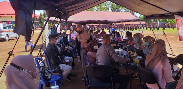 Polresta Jayapura Kota Kembali Gelar Vaksinasi Gratis di Lapangan SPN Jayapura