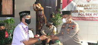 Pituruh Zona Merah, Peringati Hari Bhayangkara, Polisi Ajak  Masyarakat Disiplin Prokes