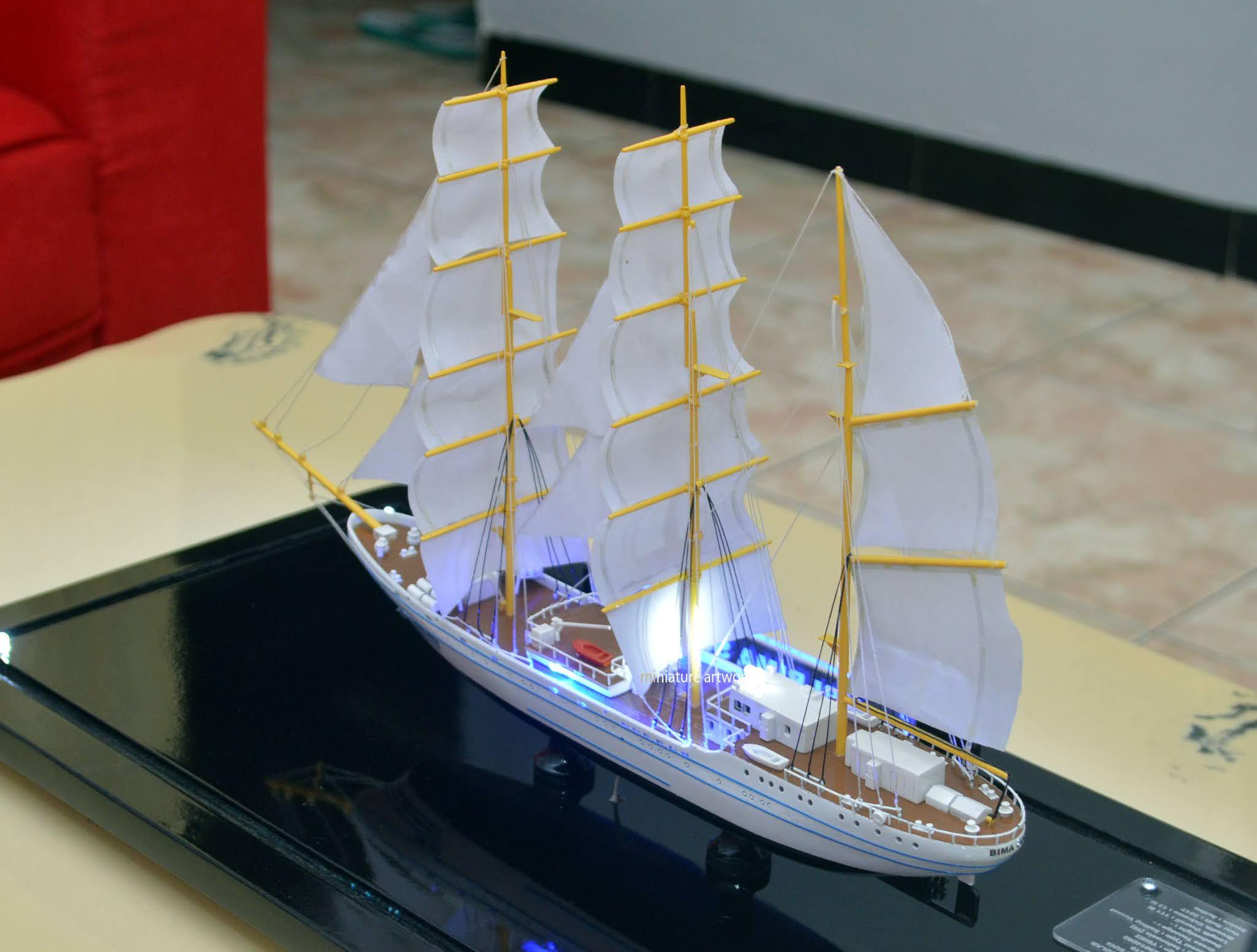 jual souvenir maket miniatur kapal layar kri bima suci 945 tni al terbaik kadet taruna