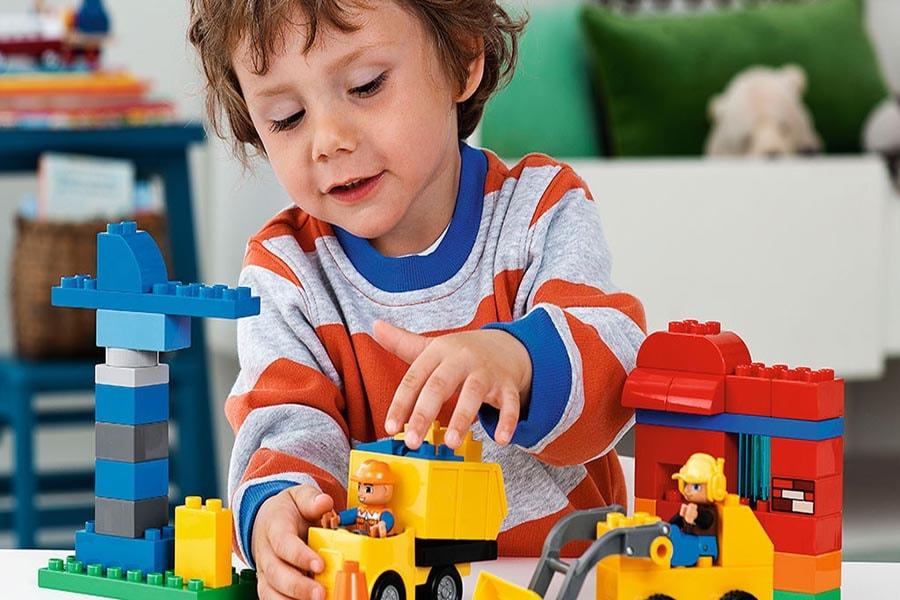 Đồ chơi phát triển trí tuệ cho bé 1 tuổi đến 3 tuổi