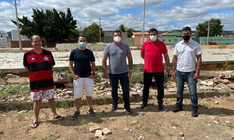 Prefeito Phellipe Brito autoriza construção de ginásio de esportes no Distrito de Tranqueiras