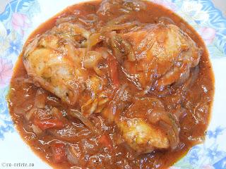 Tocanita de pui reteta de casa taraneasca cu ceapa ardei si sos tomat de bulion retete mancare tocana tocanite traditionale romanesti,