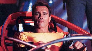 Arnold Schwarzenegger como Ben Richards en Perseguido
