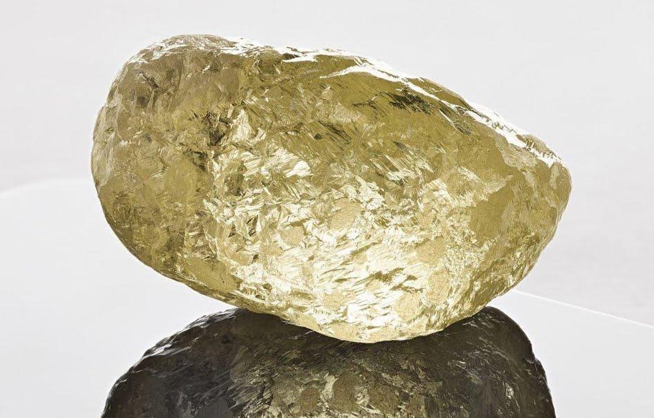 Trovato preziosissimo Diamante grande come un uovo di gallina.