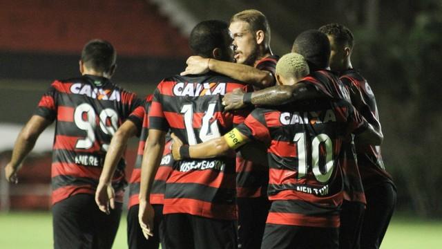 Vitória faz três no Corumbaense e avança de fase na Copa do Brasil 1