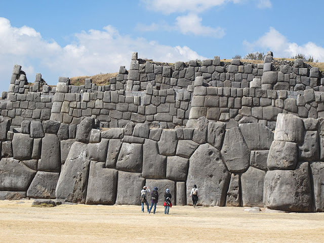 Sacsayhuaman salah satu penemuan arkeolog yang paling spektakuler
