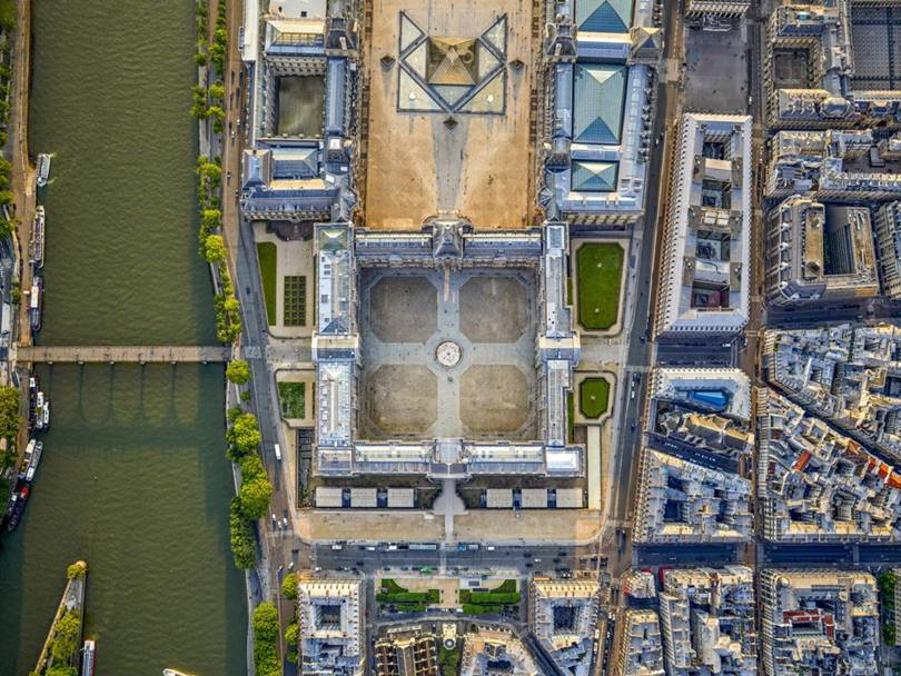 Amazing to see the Paris in aerial view
