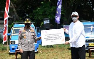 Sopir angkot di Cibinong dapatkan Sembako dari Korlantas Polri