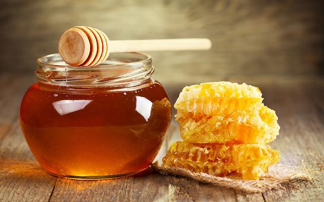 Πωλείται μέλι Αριάς, Βελανιδιάς και ελάτου στο Αγρίνιο
