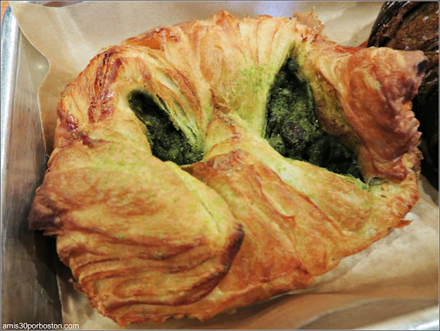 Matcha Red Bean Danish $4,36