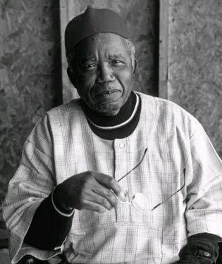 chinua achebe died