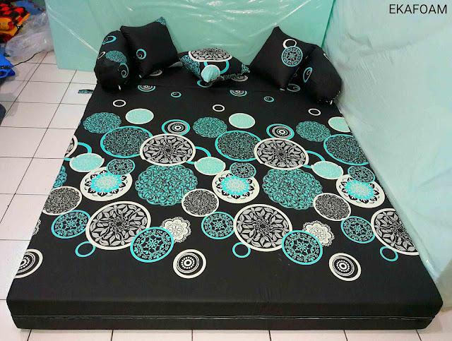 Sofa bed inoac DARK MOON saat difungsikan sebagai kasur inoac normal