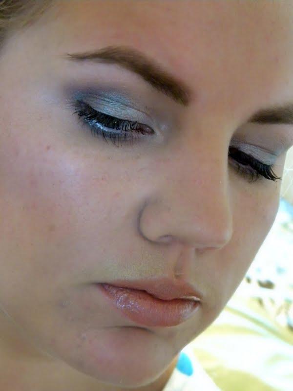 Shabby Makeup and More: Grey Smokey Eye Makeup Look