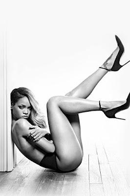 rijanine-gole-slike-dobre-dugacke-zenske-noge-seksi-cice