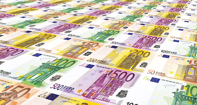 Penentu Keefektifan Kebijakan Moneter
