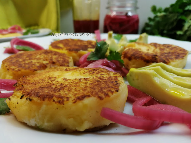 Tortitas De Patata Con Queso - Llapingachos Ecuatorianos