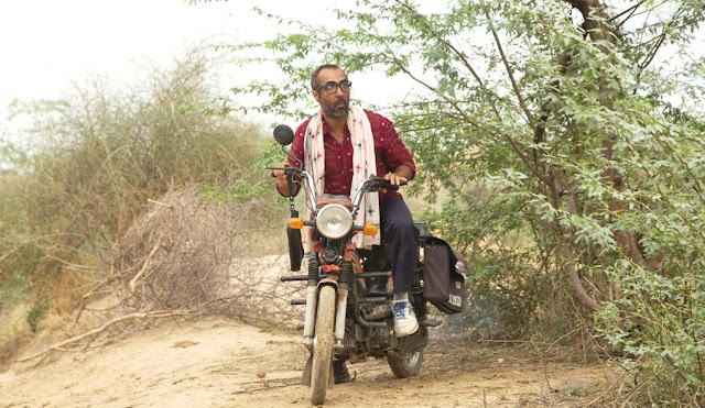 Ranvir Shorey, Bike, Kadvi Hawa