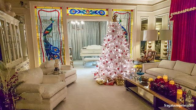Sala de estar de Graceland, a casa de Elvis Presley