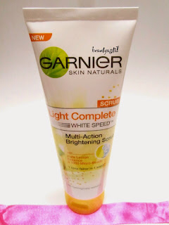 garnier-light-complete-white-speed-facial-scrub-review.jpg