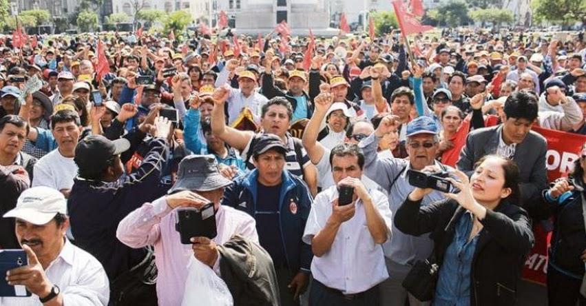 Profesores en huelga llegan a Lima para exigir diálogo con el MINEDU