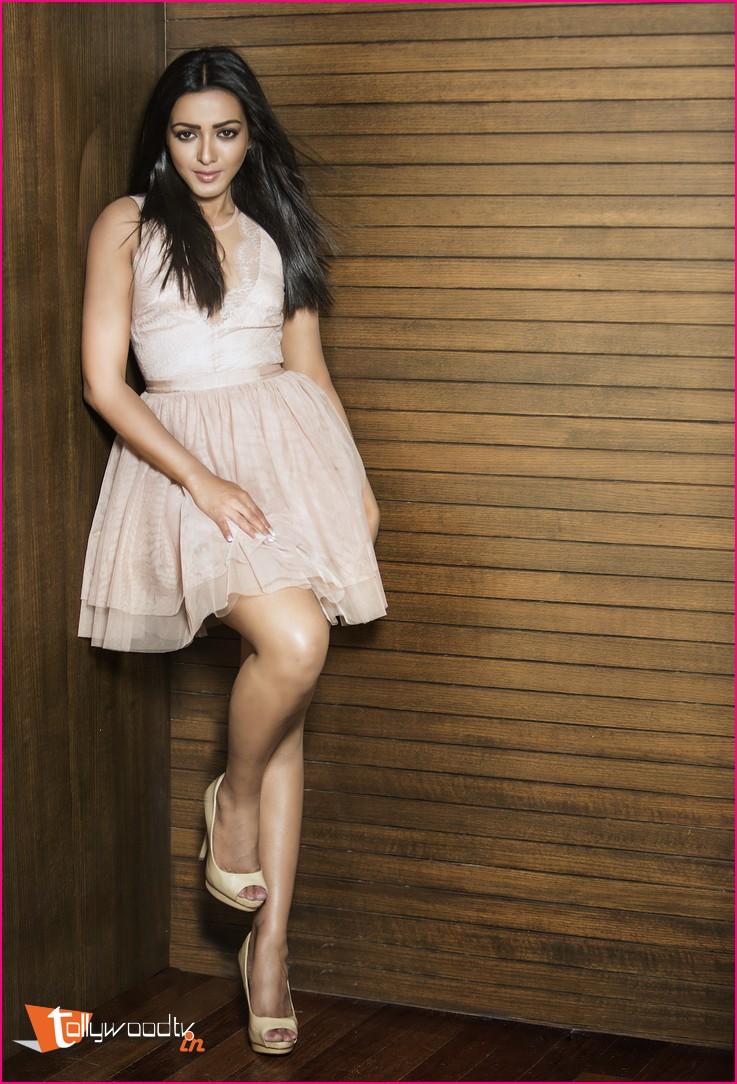 Catherine Tresa Latest Stills-HQ-Photo-9