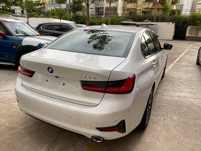 BMW 320i 2020 về tới Việt Nam, 'thách thức' Mercedes C200
