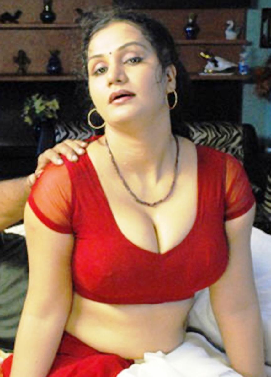 apoorva aunty hot images