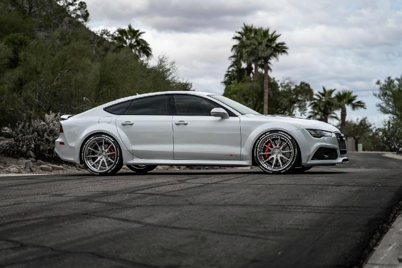 Audi RS7 độ thân rộng giá gần 100.000 USD