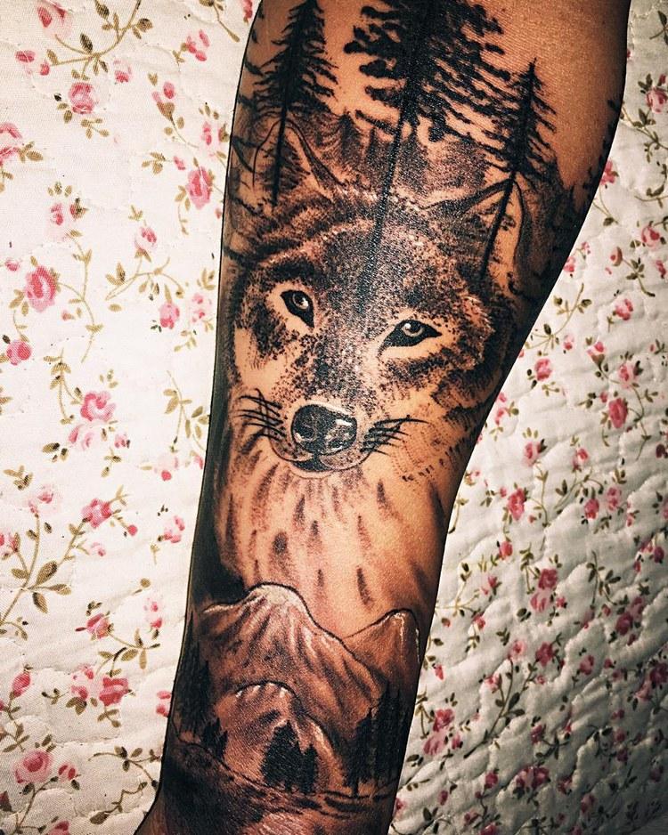 Tattoo ideas, tattoo wolf geometric, wolf tattoo meaning, wolf tattoo tumblr, tattoo wolf design, wolf tattoo arm, wolf tattoo old school
