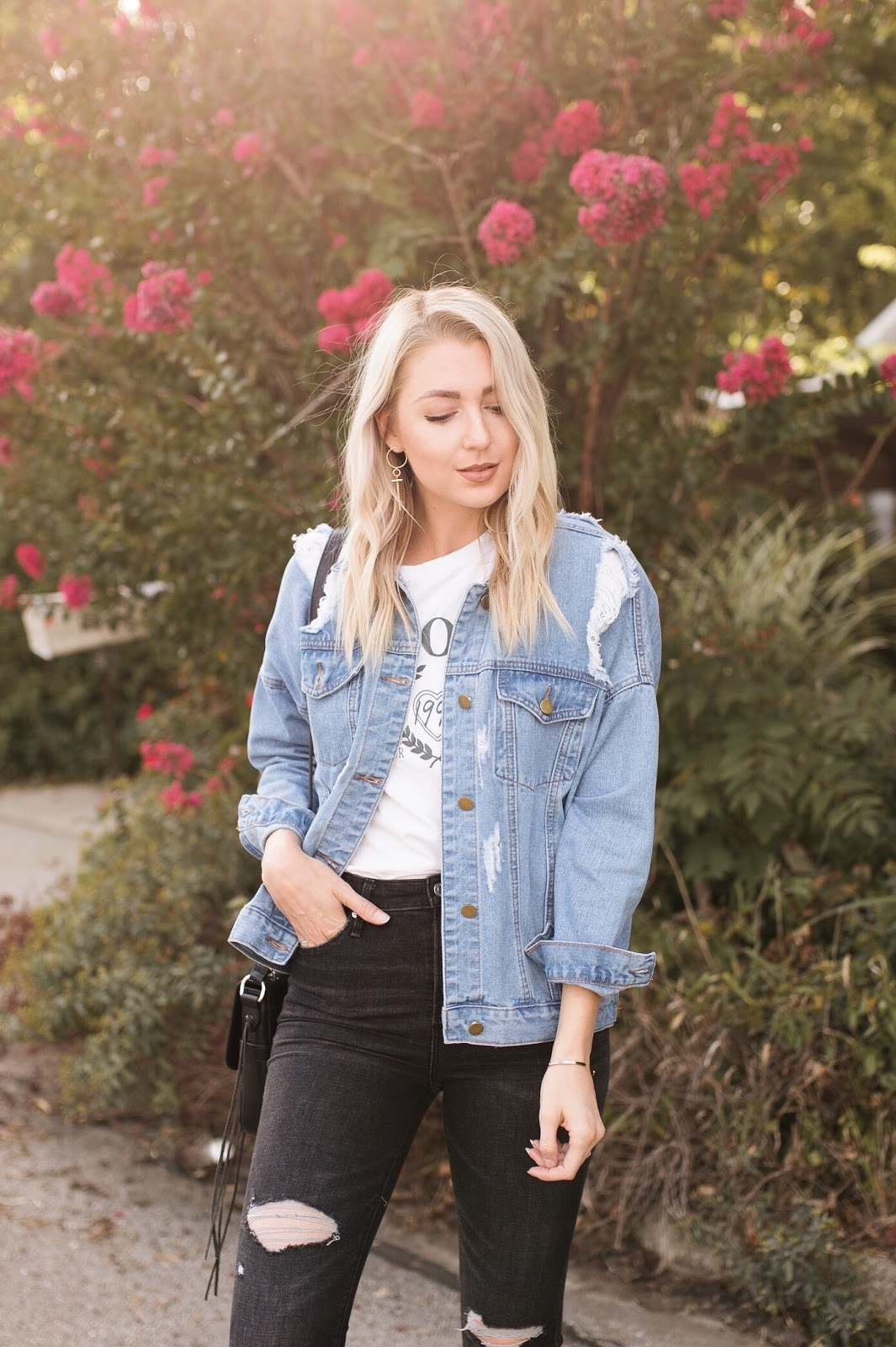 casual + oversized denim jacket