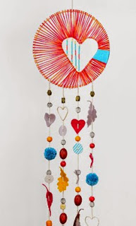 http://translate.google.es/translate?hl=es&sl=en&tl=es&u=http%3A%2F%2Fmollymoocrafts.com%2Fheart-hope-dreamcatcher%2F