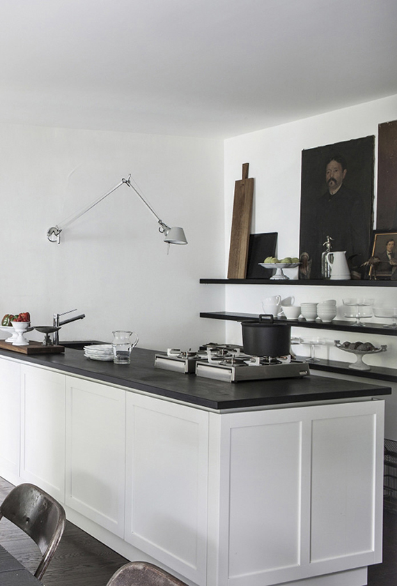 Swing arm lamps in the kitchen | Mad & Bolig