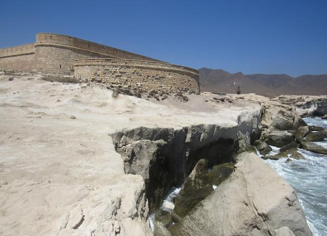 Castillo de S. Felipe. Castillo de los Escullos. Dunas fosilizadas en Cabo
