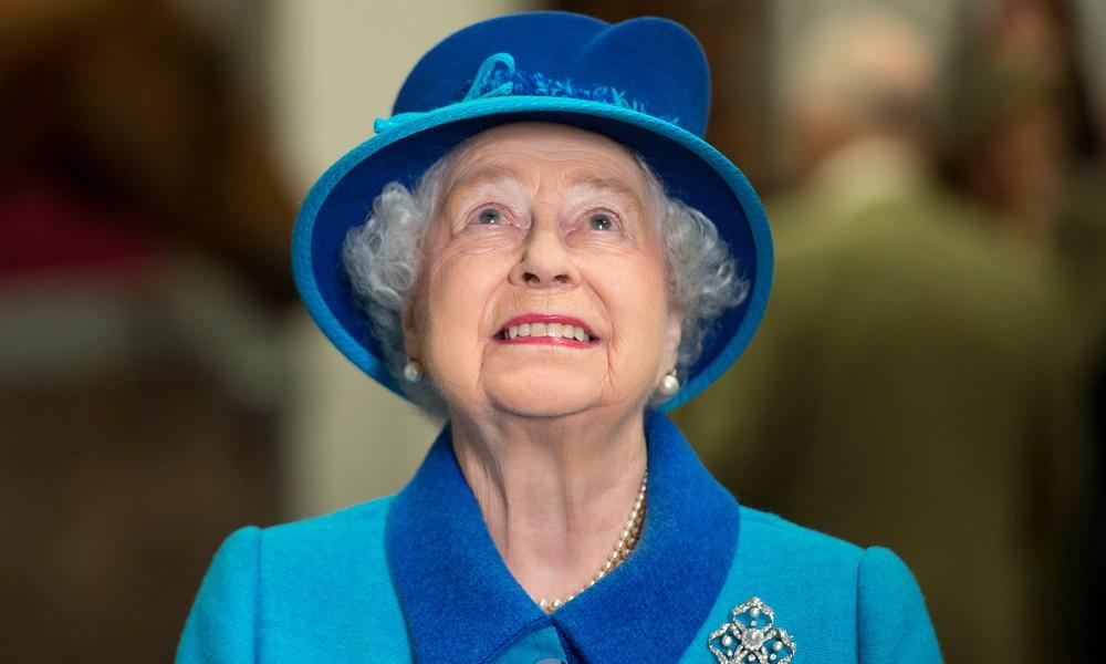 La regina Elisabetta salta ancora la messa, la figlia: sta meglio