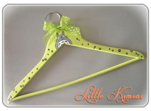 http://little-kimono.blogspot.com.es/2014/03/mi-percha-para-el-reto-handmade-2.html