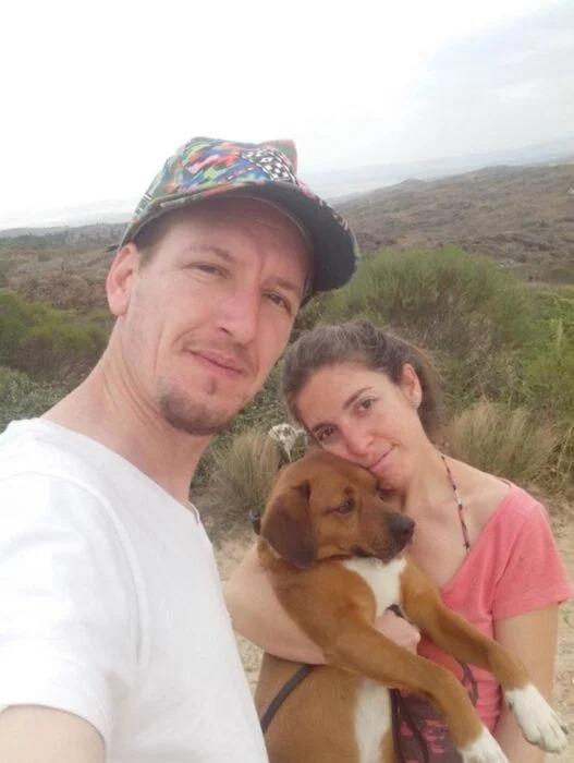Reportero visita refugio y termina adoptando a un lomito