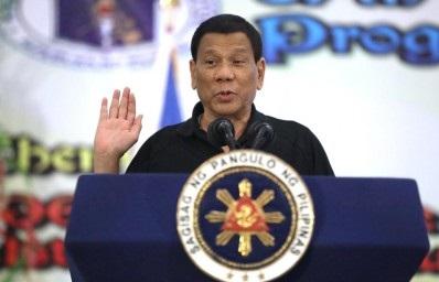 Duterte 'all for' teachers' pay hike, Malacañang assures