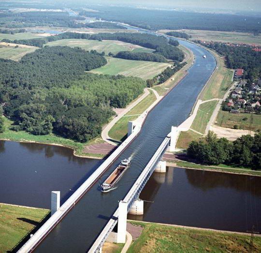 magdeburg water bridge6%255B13%255D Magdeburg Water Bridge, Kemegahan Sungai di Atas Sungai