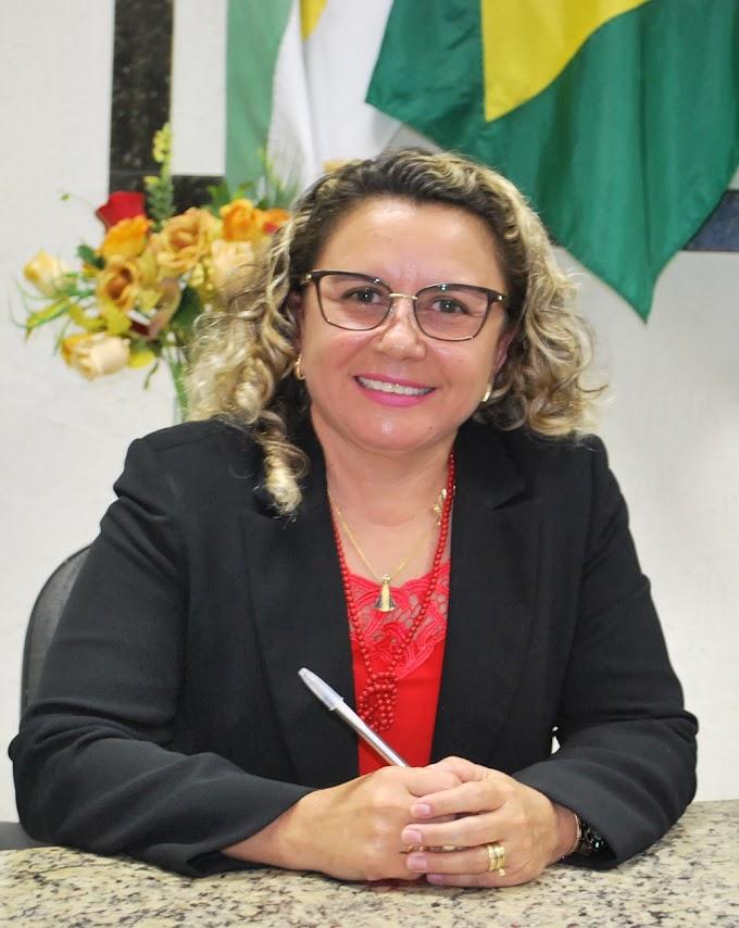 Nataly Felipe deixará o cargo de Secretária Municipal de Saúde nos próximos 14 dias