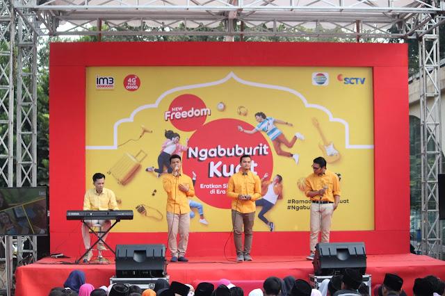 #NgabuburitKuat di  Mesjid Pusdai Bandung